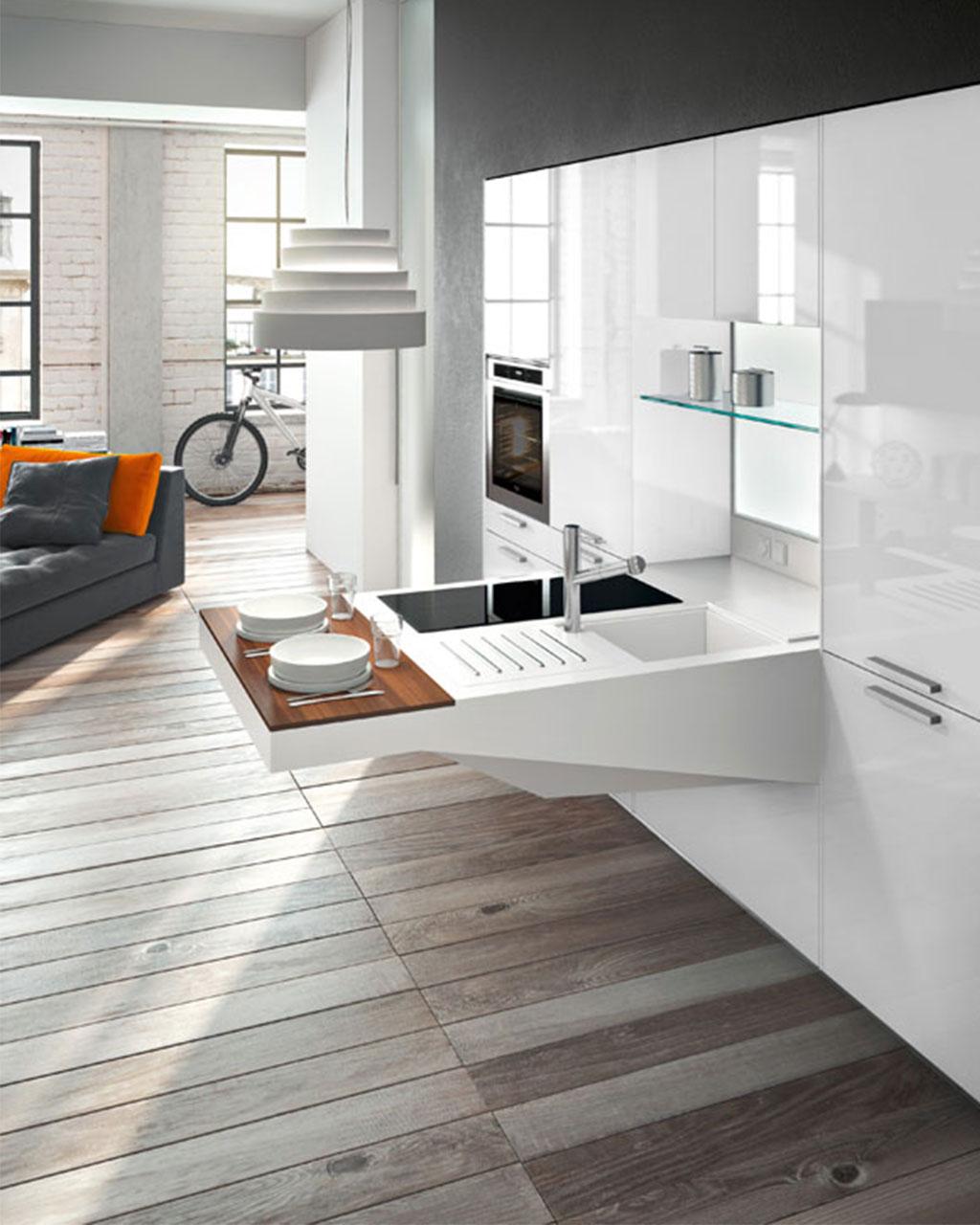 Белая глянцевая кухня-трансформер