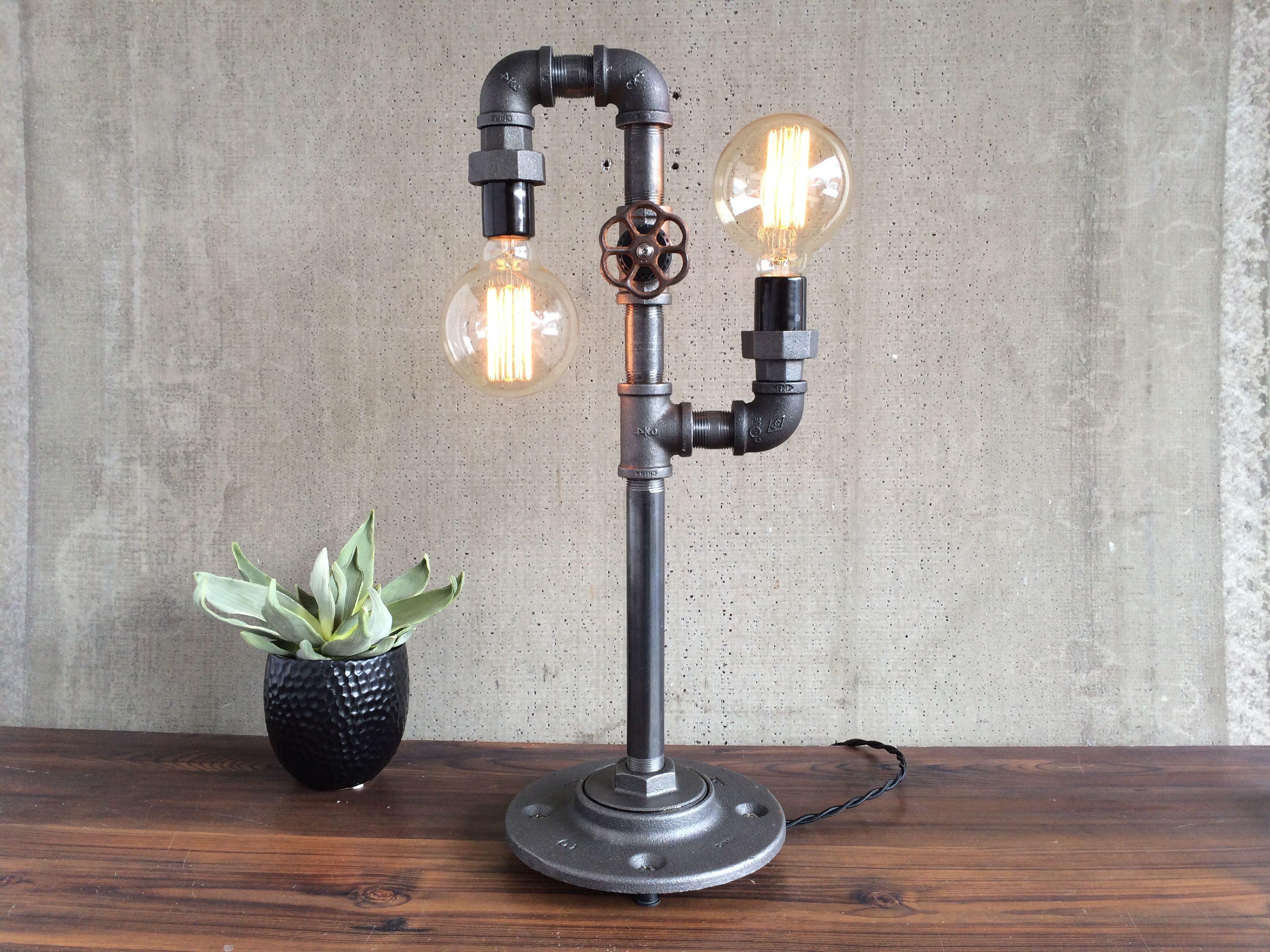 Лампа Эдисона из труб
