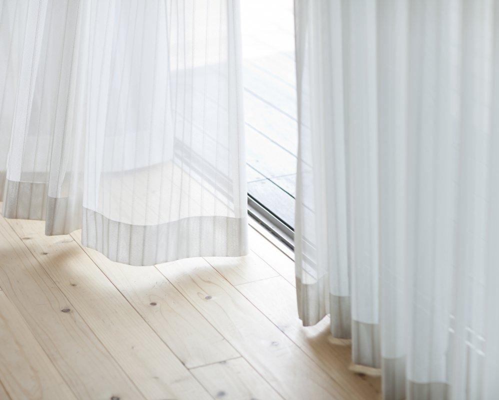 Как стирать шторы: тонкости ухода за разными изделиями