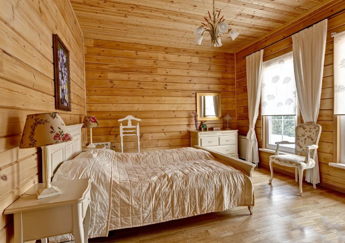 Спальня из вагонки на даче