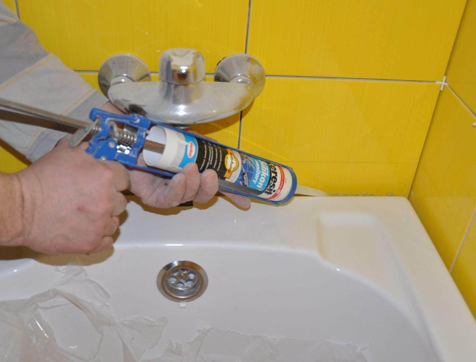 Акриловый герметик для ванны