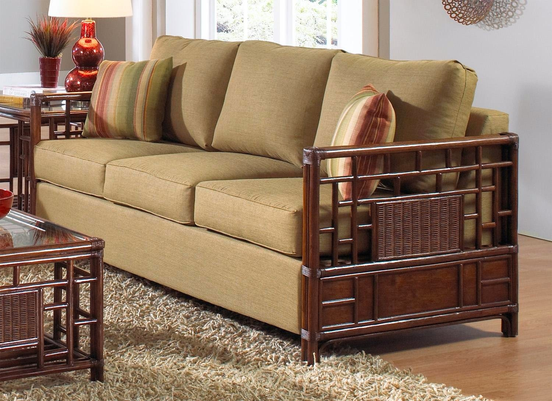 Винтажный диван для дачи
