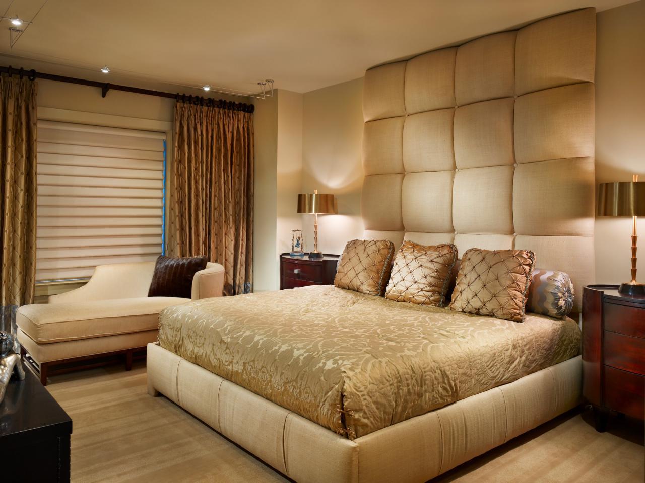 Золотые шторы с вышивкой