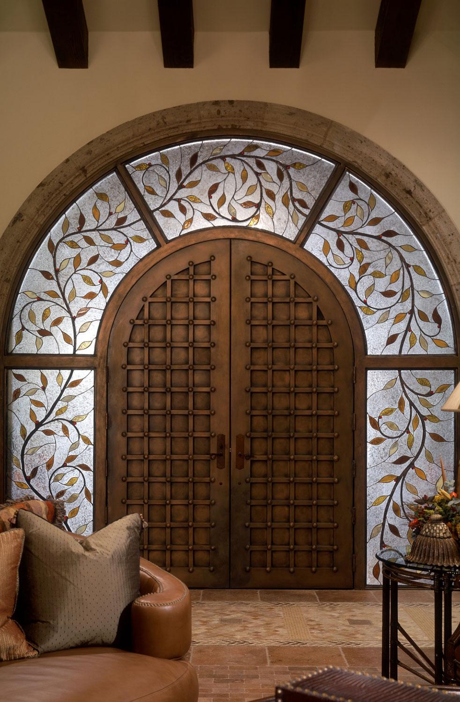 Кованая витражная дверь