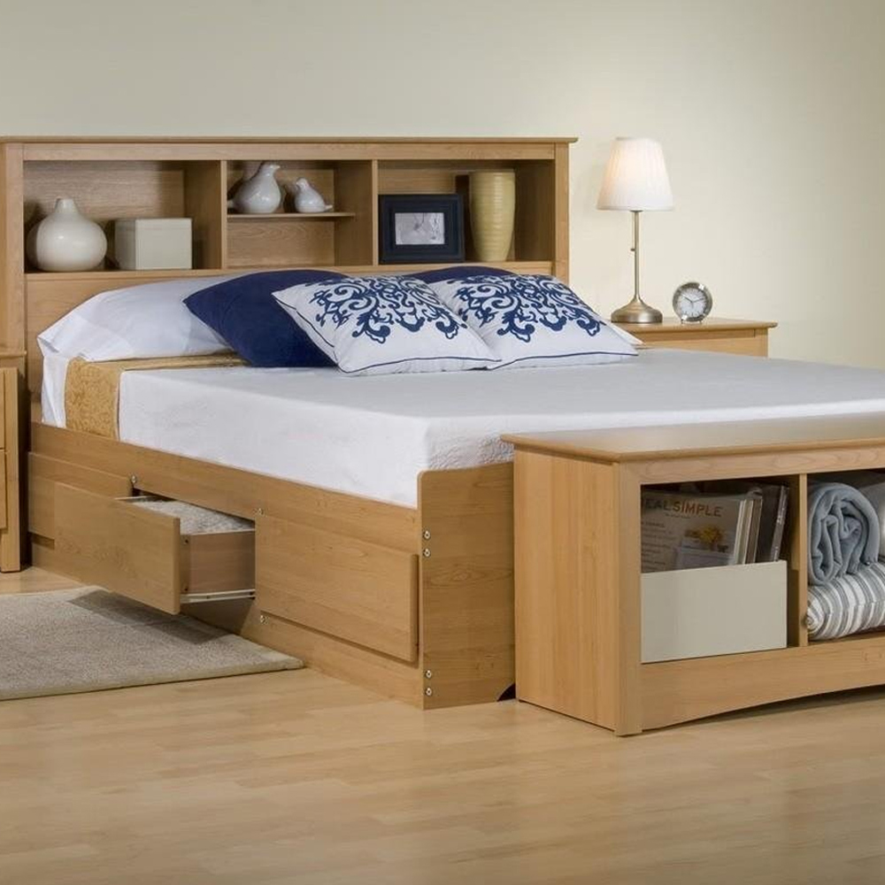 Кровать с полкой и ящиком