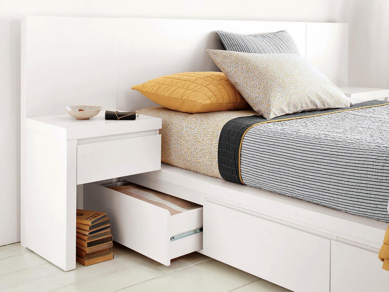 Малогабаритная кровать с ящиком