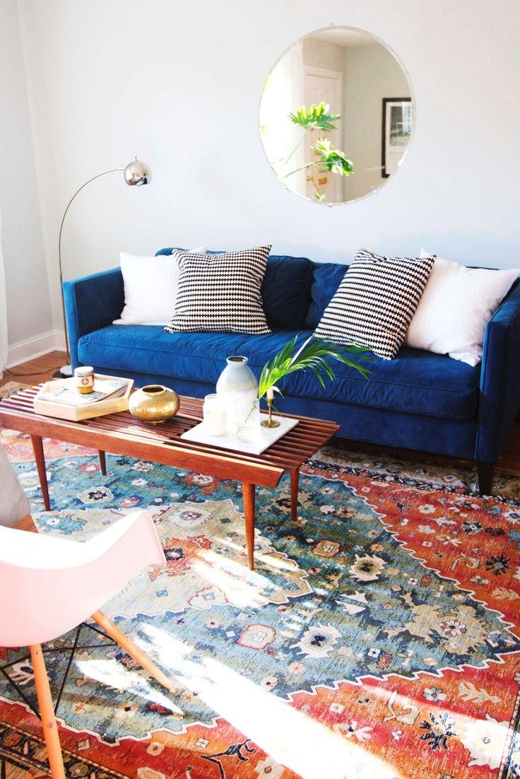 Синий замшевый диван