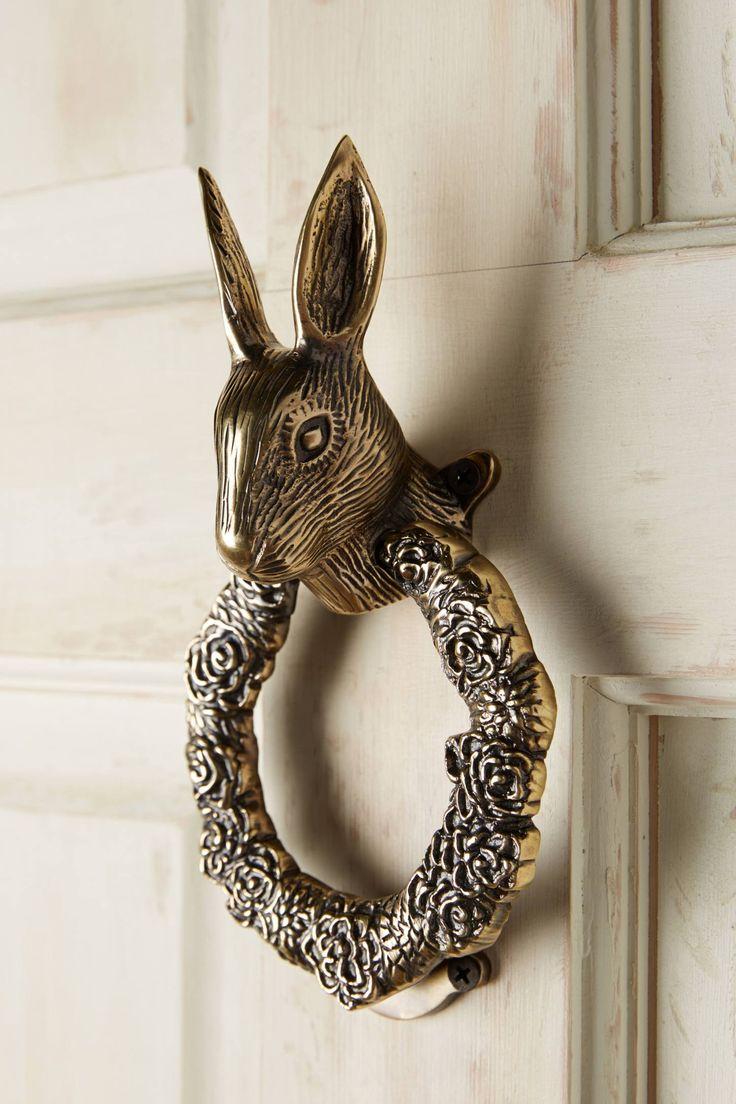 Дверной звонок в виде зайца