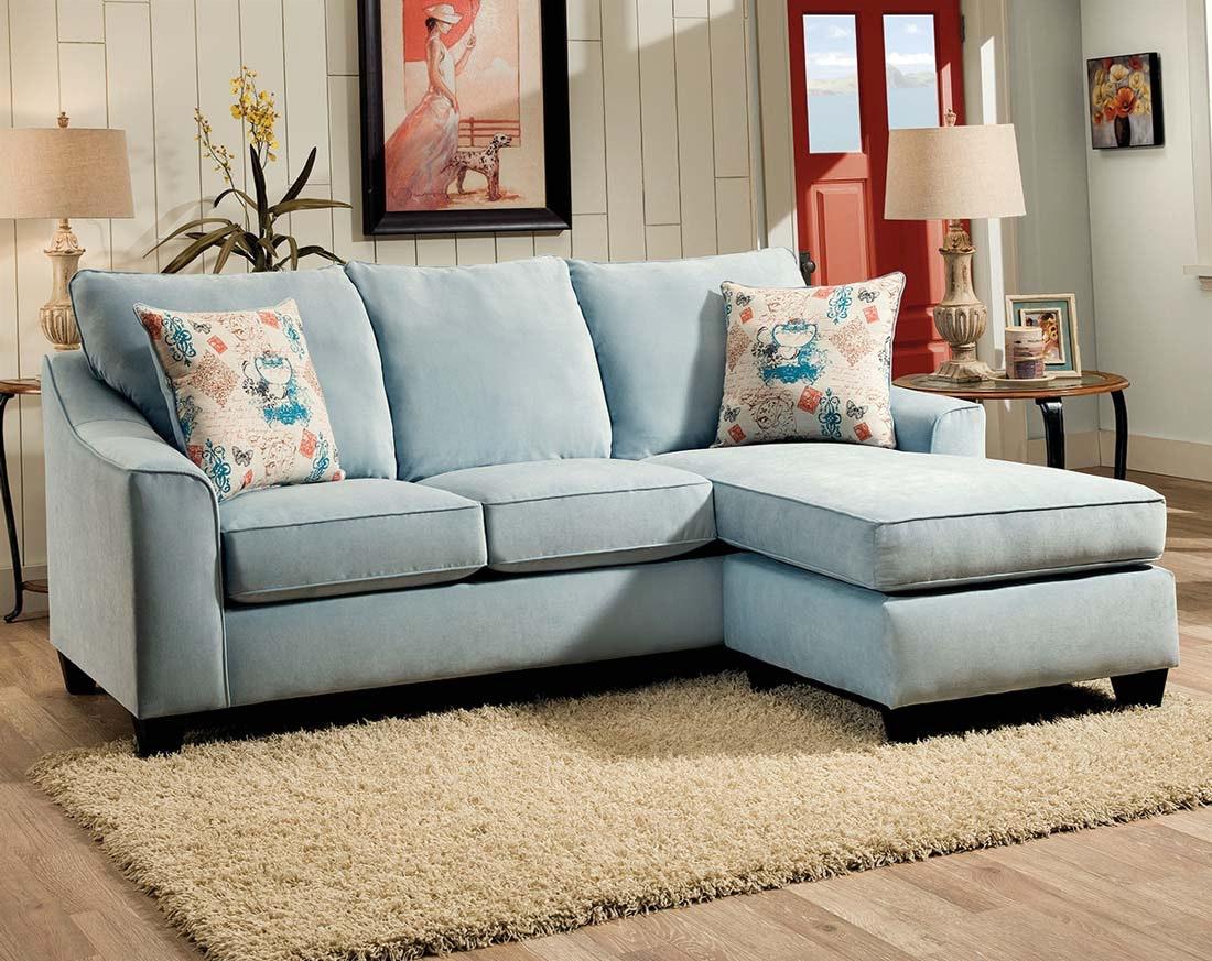 Голубой диван с жаккардовой обивкой