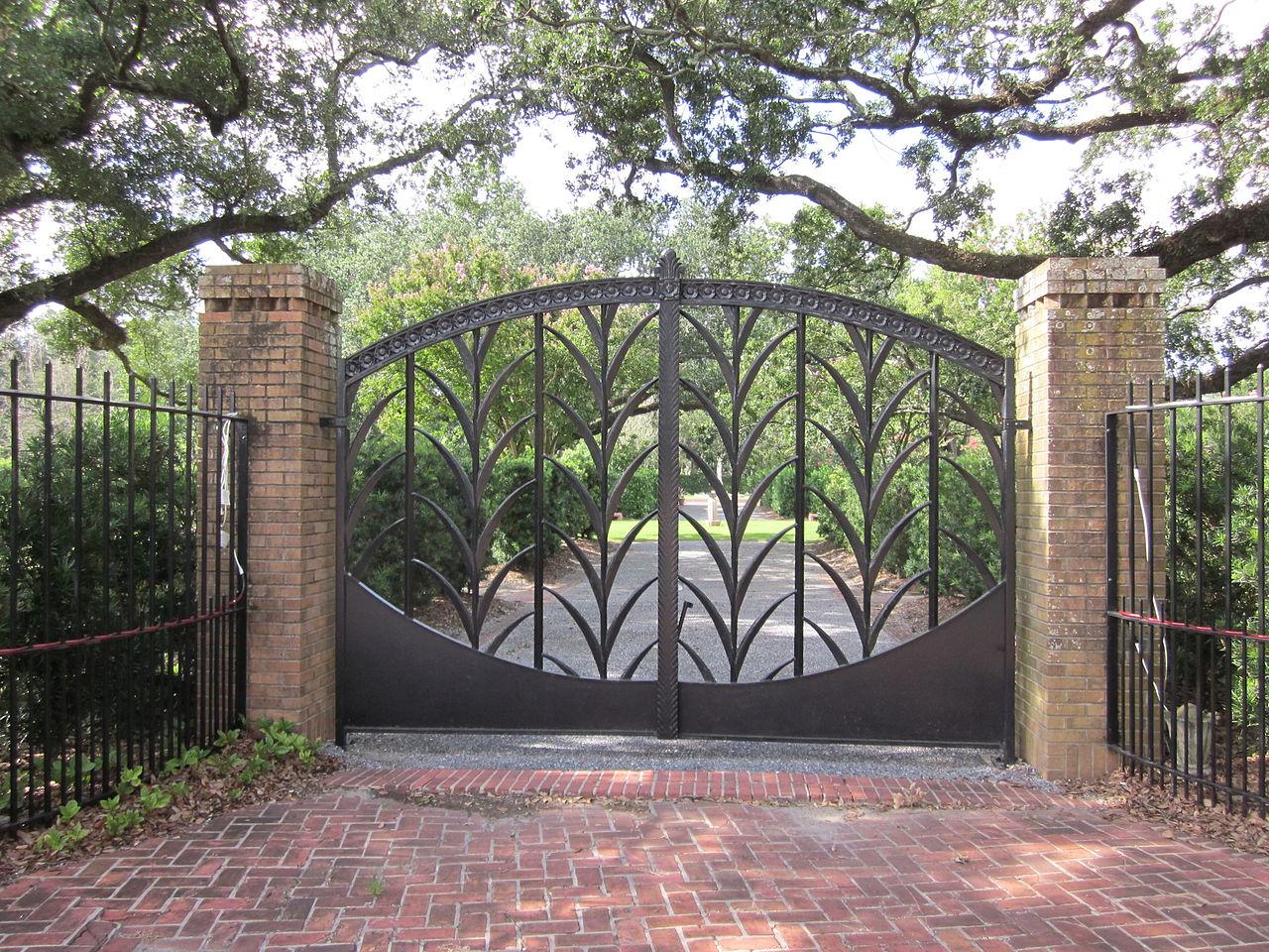 Железные ворота для дачи