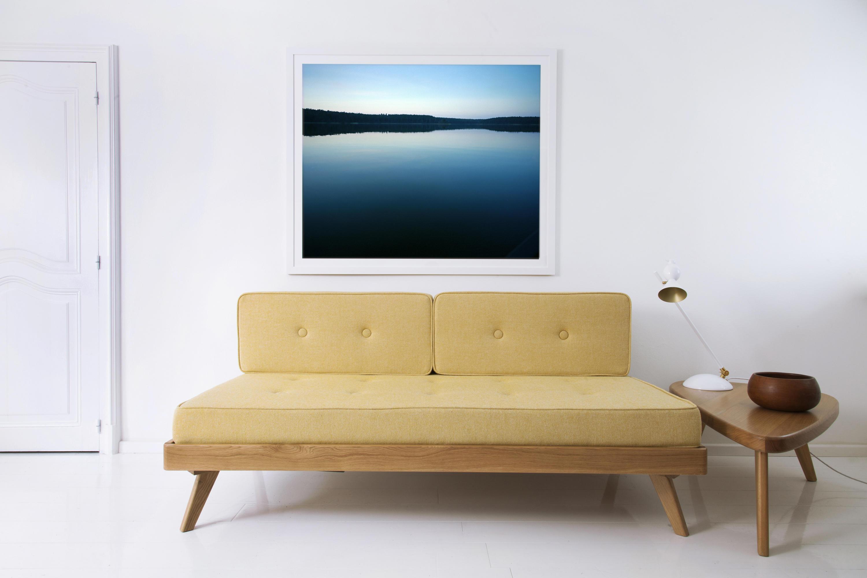 Желтый диван кушетка