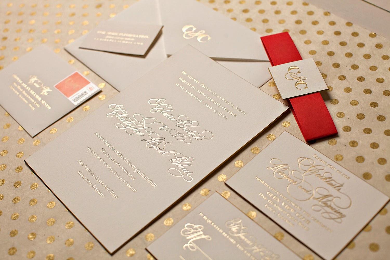 Приглашение на свадьбу с золотым тиснением