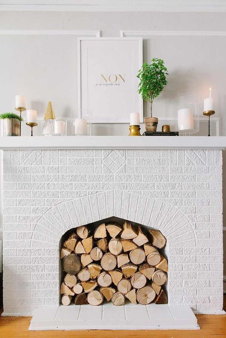 Белая плитка для камина