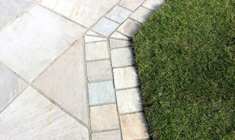 Тротуарная плитка для дачи: как сделать правильный выбор (24 фото)