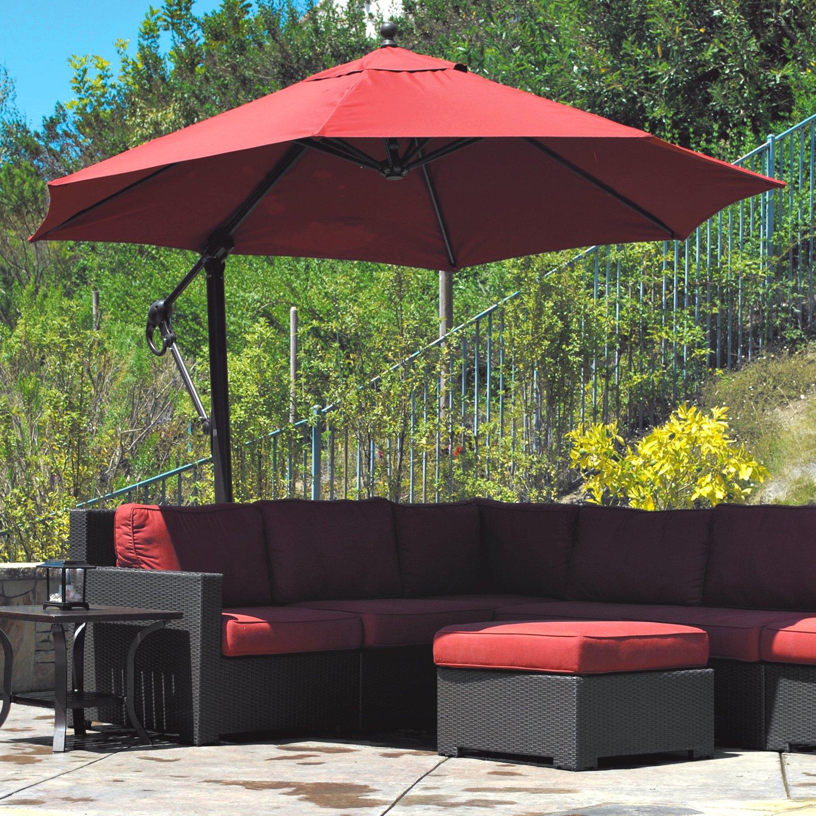 Садовый зонт с боковой опорой