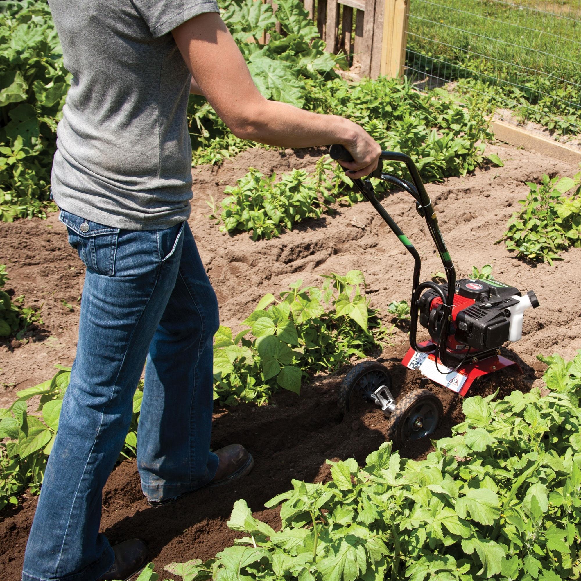 Как использовать культиватор в саду: совмещаем несколько инструментов