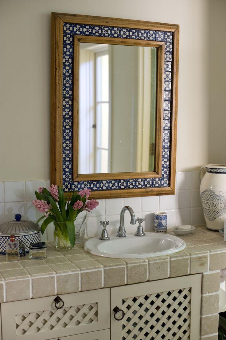 Декор зеркала плиткой прованс