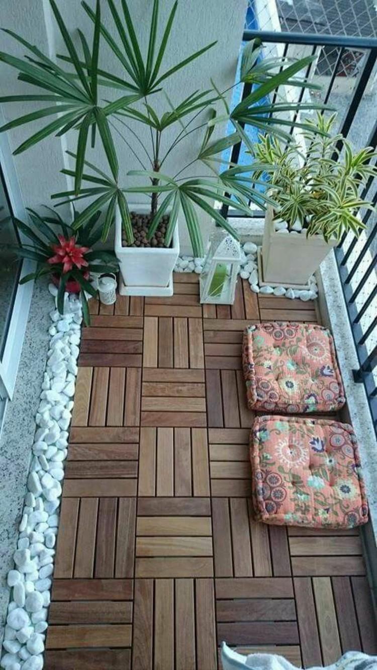 Деревянная плитка на балкон
