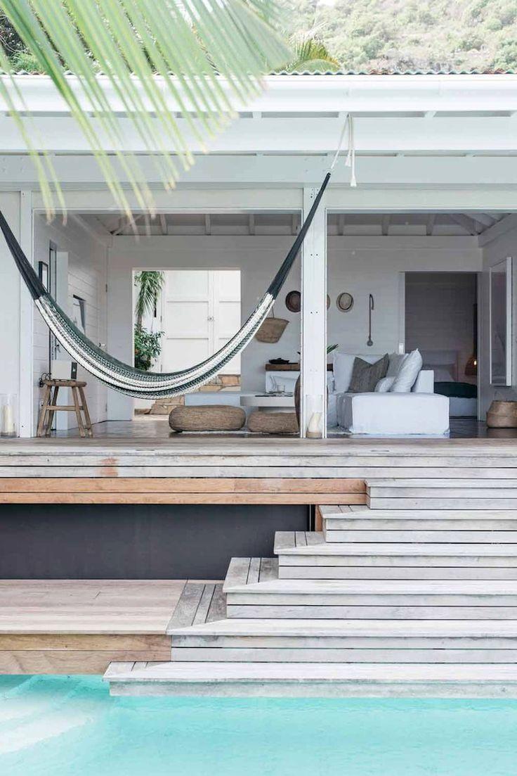 Лестница для бассейна деревянная