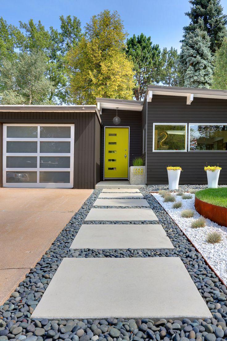 Ландшафтный дизайн с дорожкой из плитки
