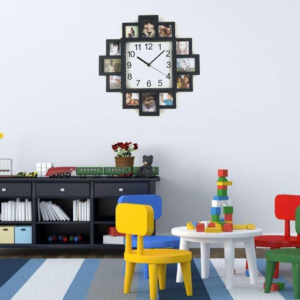 Настенные часы с фото в гостиной
