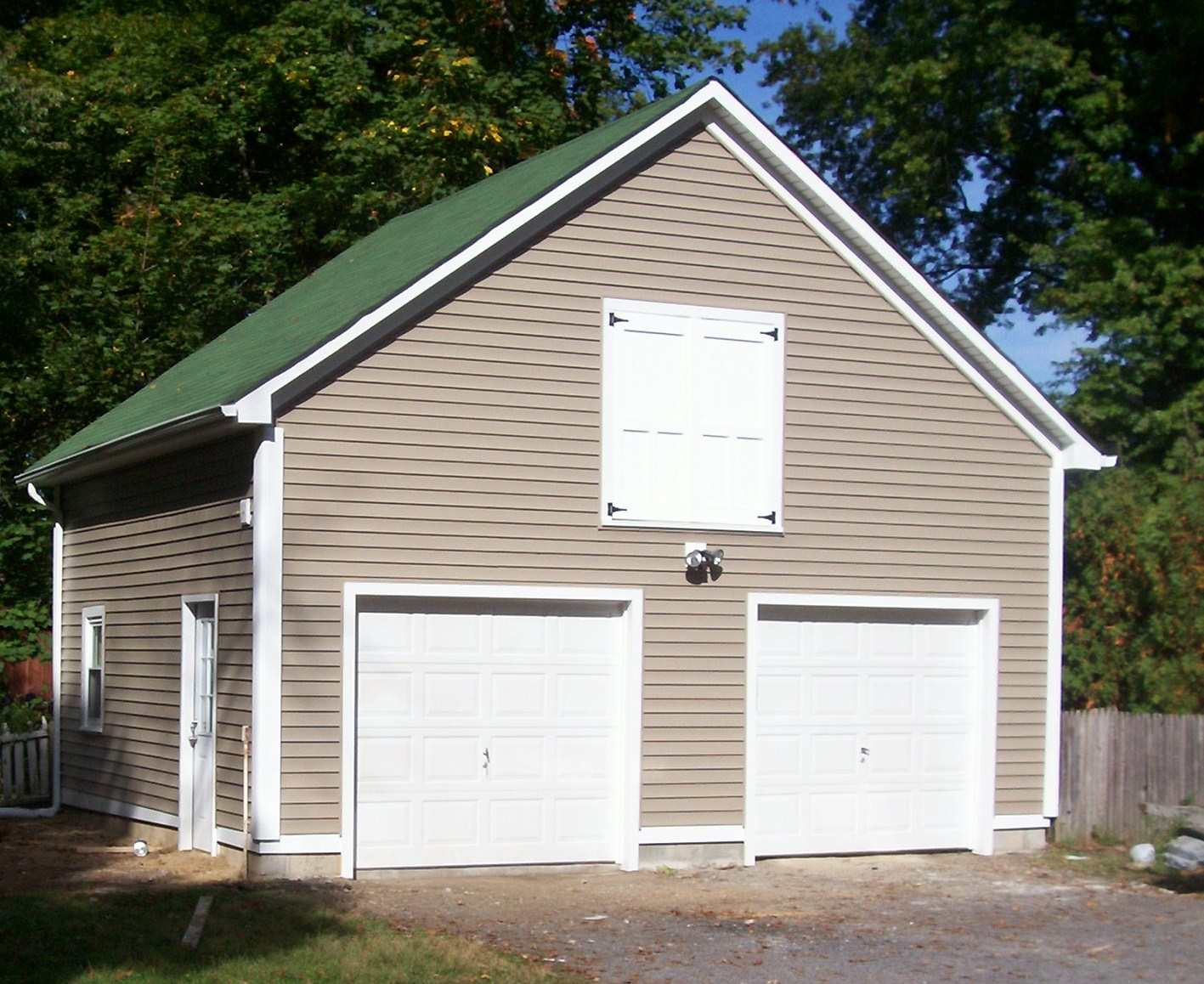 Сайдинг блок хаус для гаража