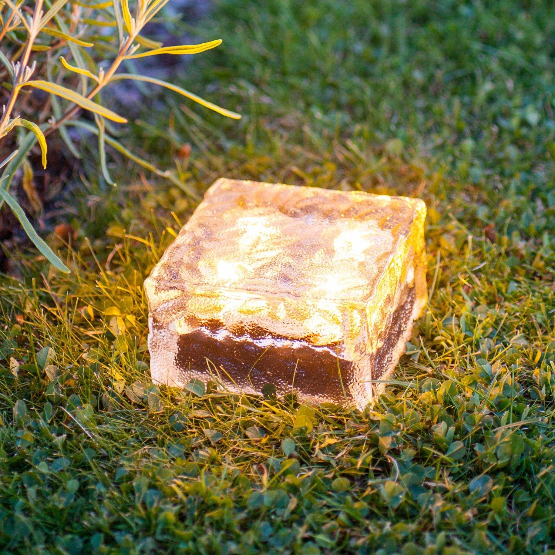 Солнечный светильник для газона