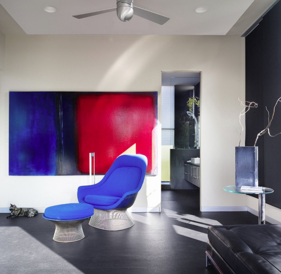 Алюминиевый плинтус в гостиной