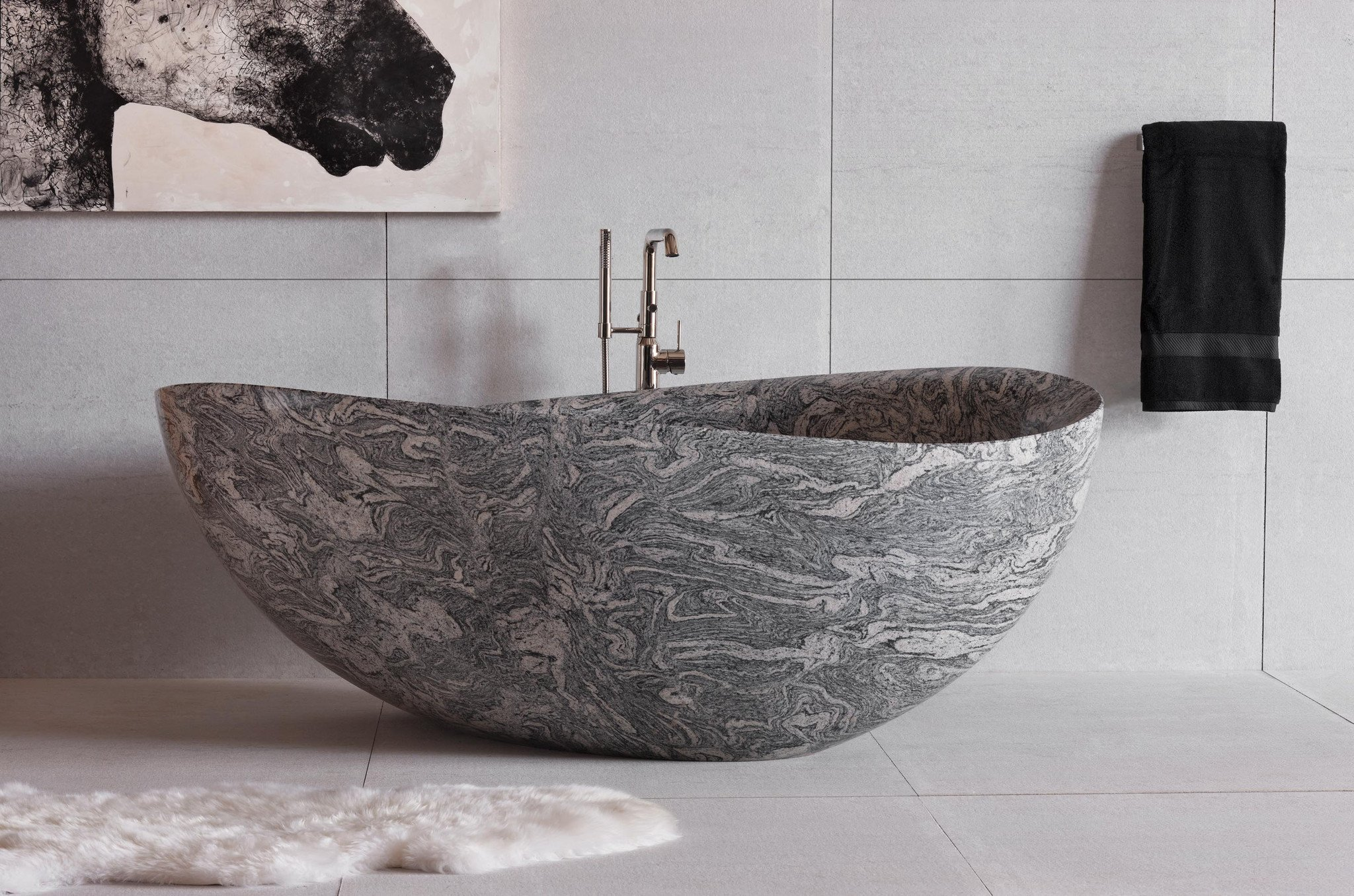 Ванная без раковины с каменной ванной