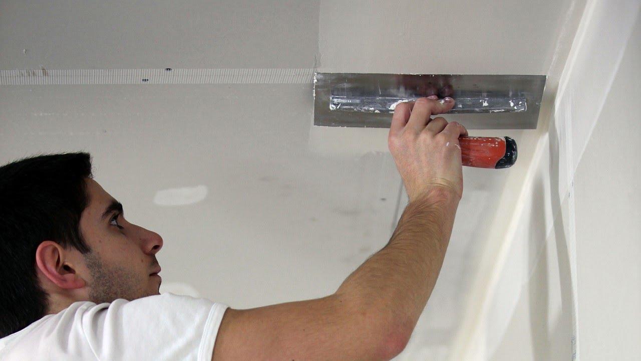Основные сложности шпаклевки потолка: выбор смеси, инструментов, соблюдение условий работы