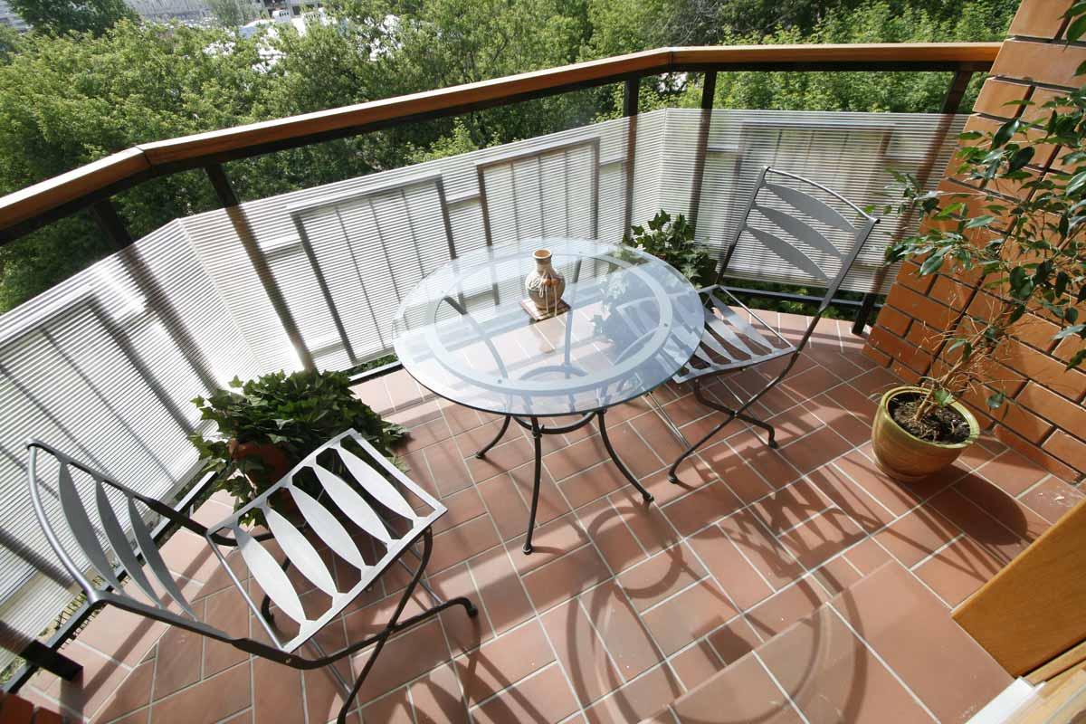 Плитка на балкон: главные отличия и преимущества (21 фото)