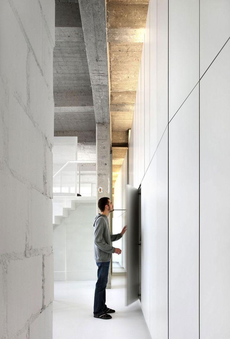 Шкаф лофт в коридоре