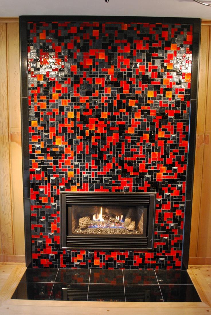 Плитка красно-черная для камина