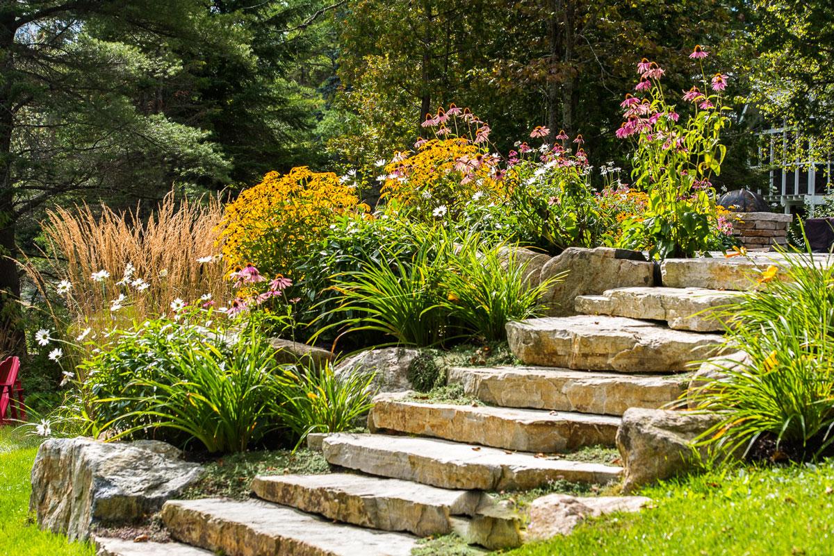Ландшафтный дизайн с каменной лестницей