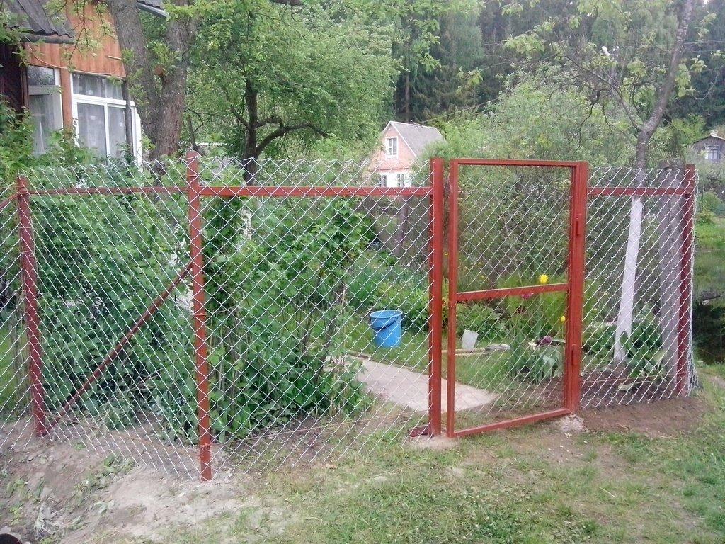 Металлические ворота из рабицы