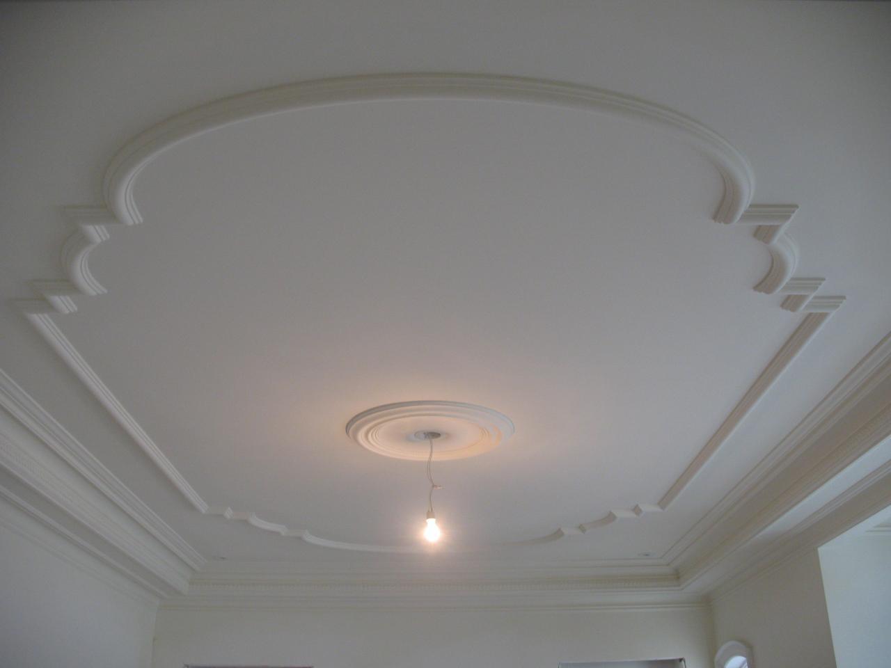 Шпаклевка для потолка с молдингом
