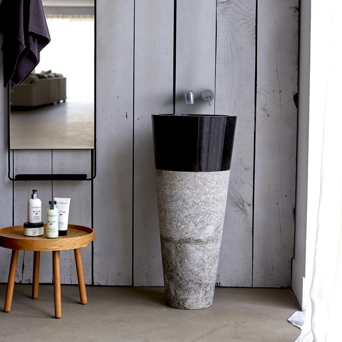 Напольная раковина из мрамора