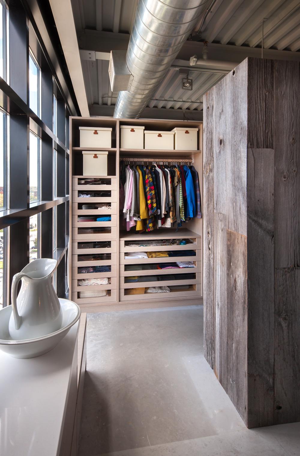 Шкаф лофт для одежды