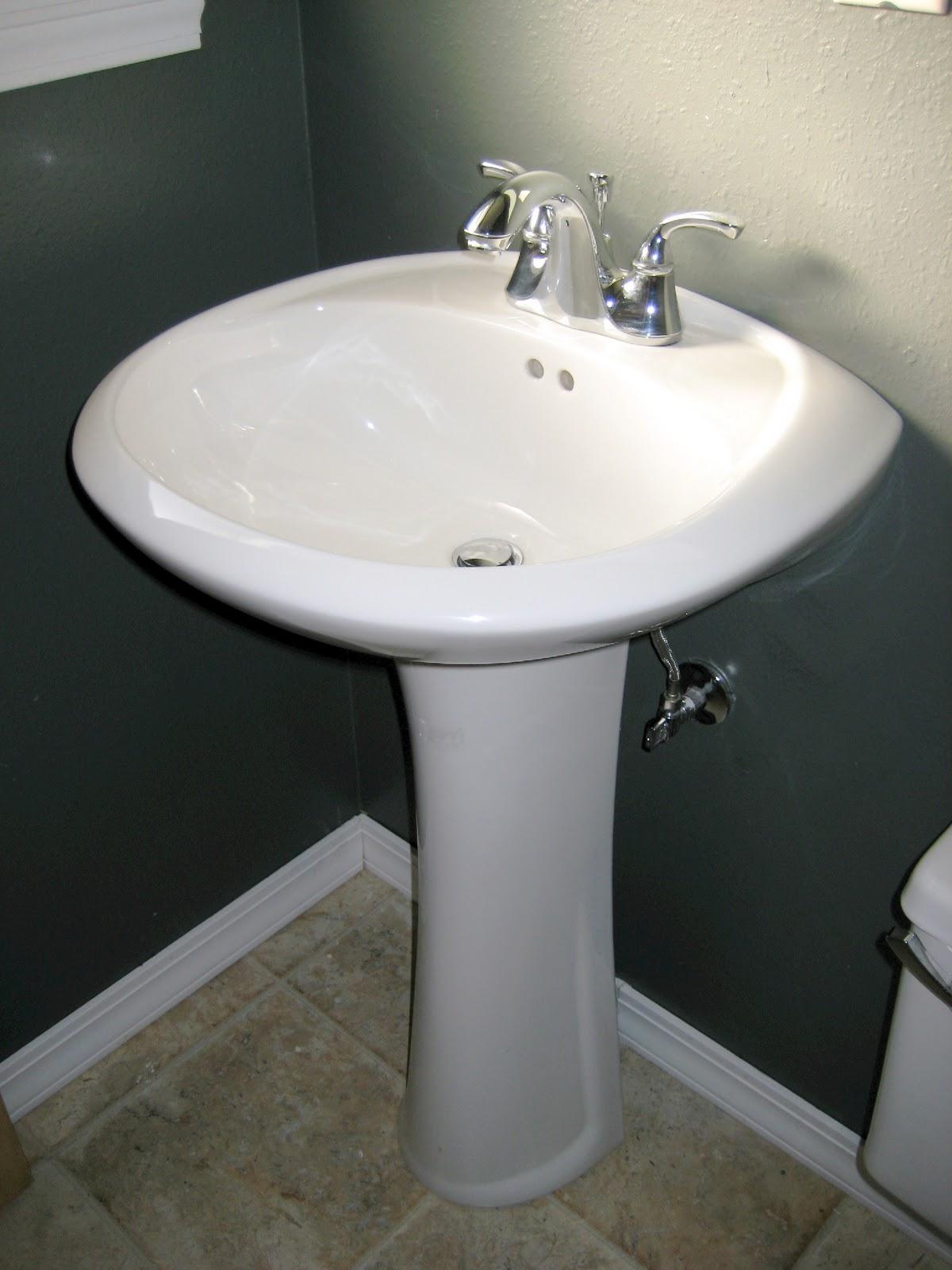 Раковина для ванной на пьедестале