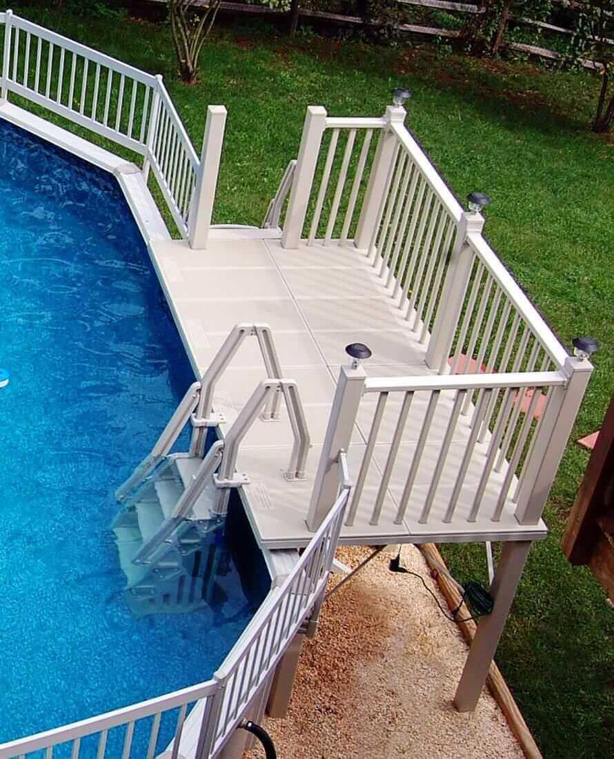 Лестница для бассейна с площадкой