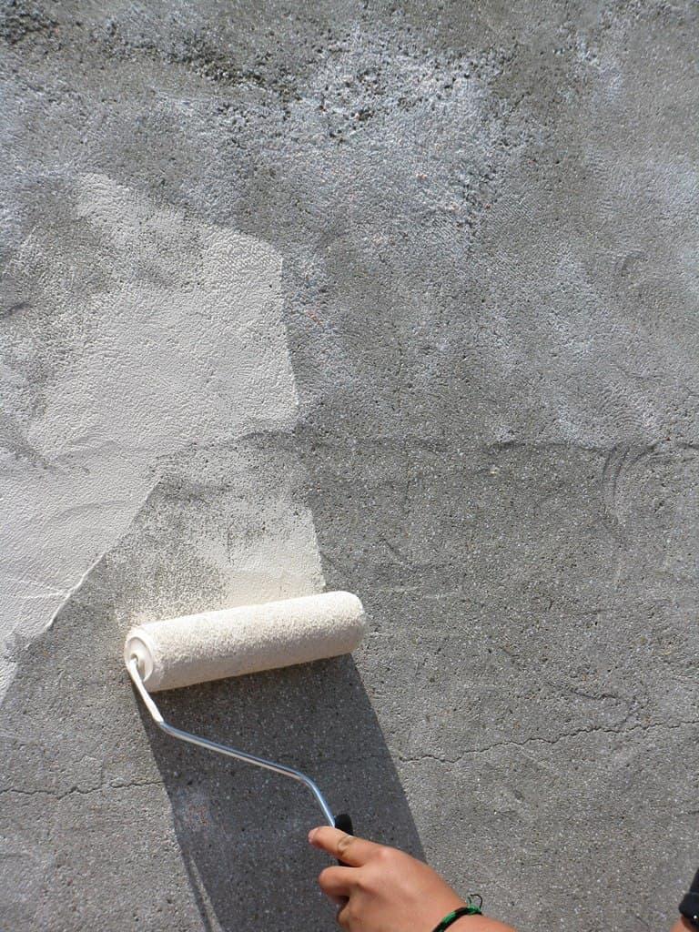Покраска шпаклевки под декоративную штукатурку