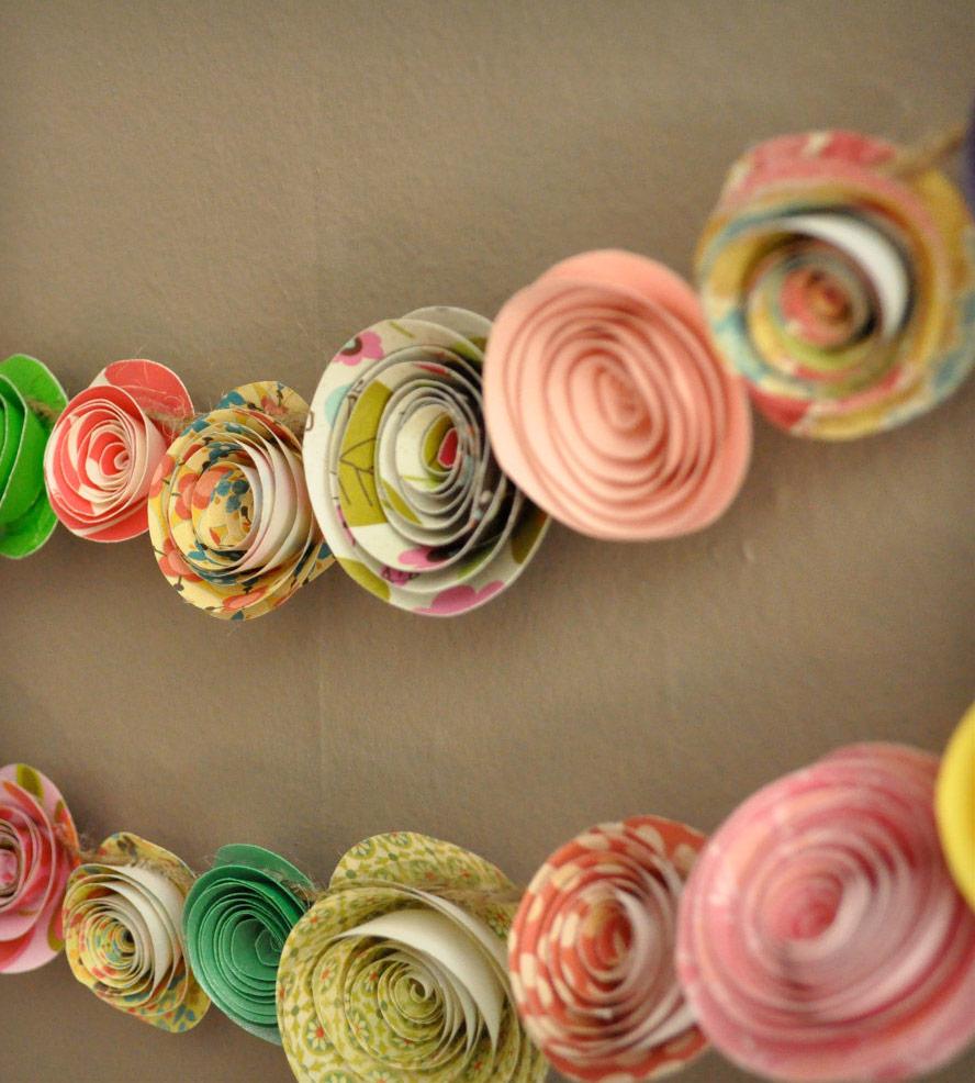Гирлянда из разноцветной бумаги