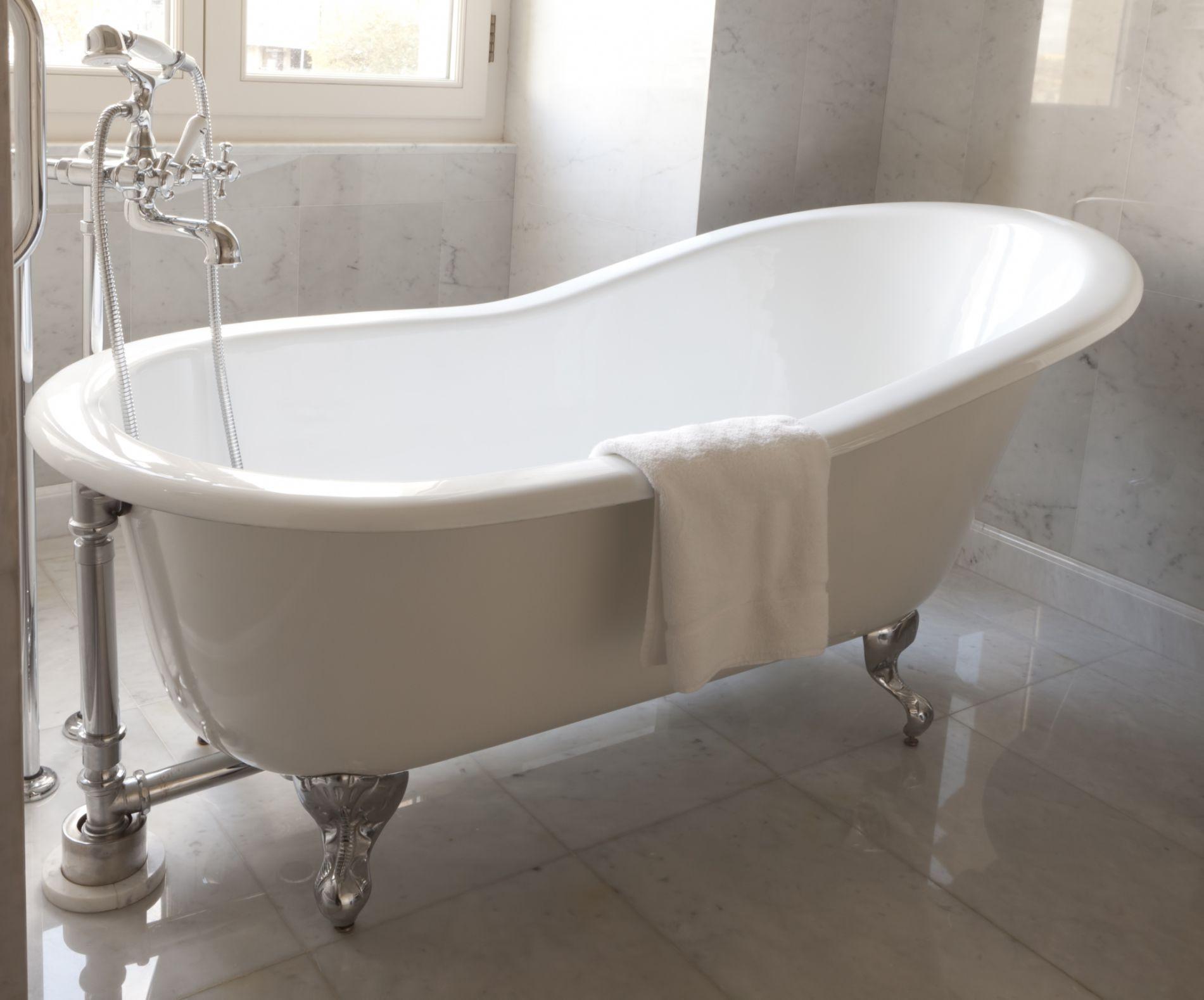Ванная без раковины в стиле ретро
