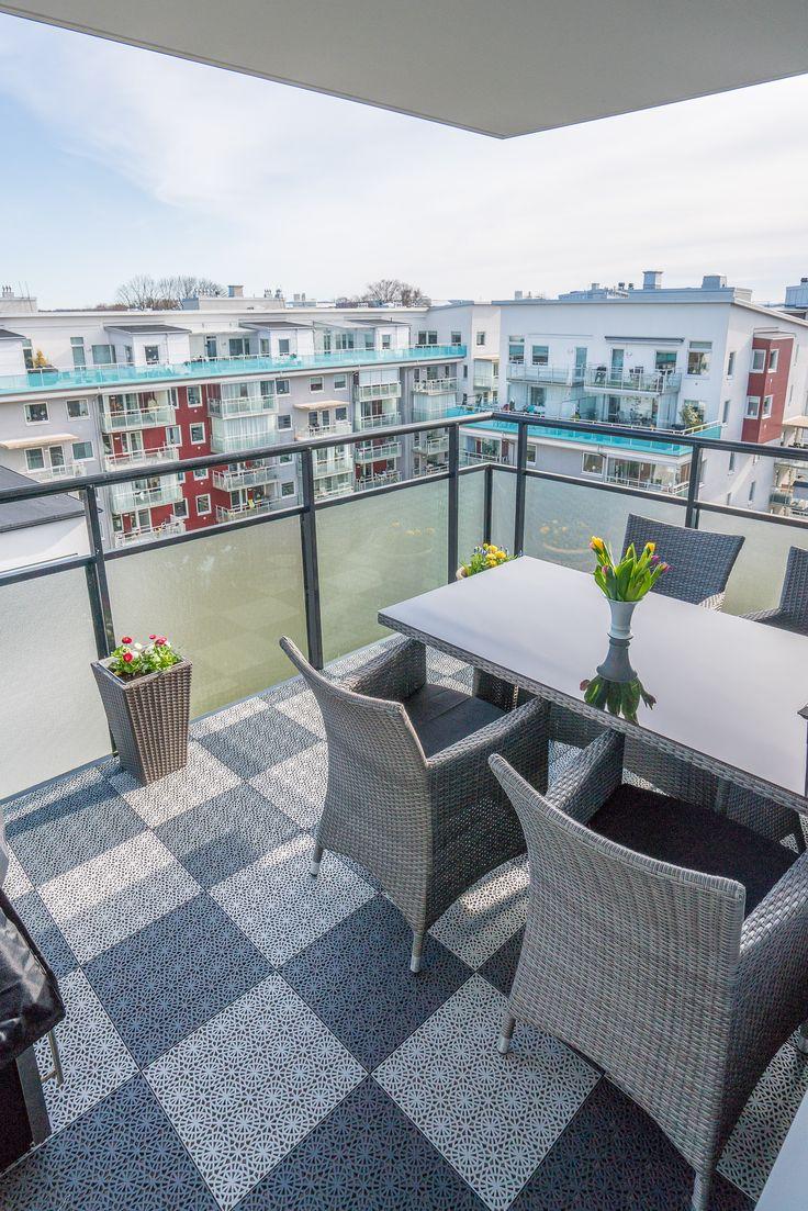 Резиновая плитка на балкон
