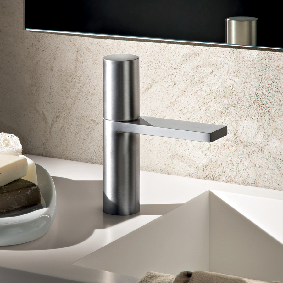 Смеситель сенсорный для ванной