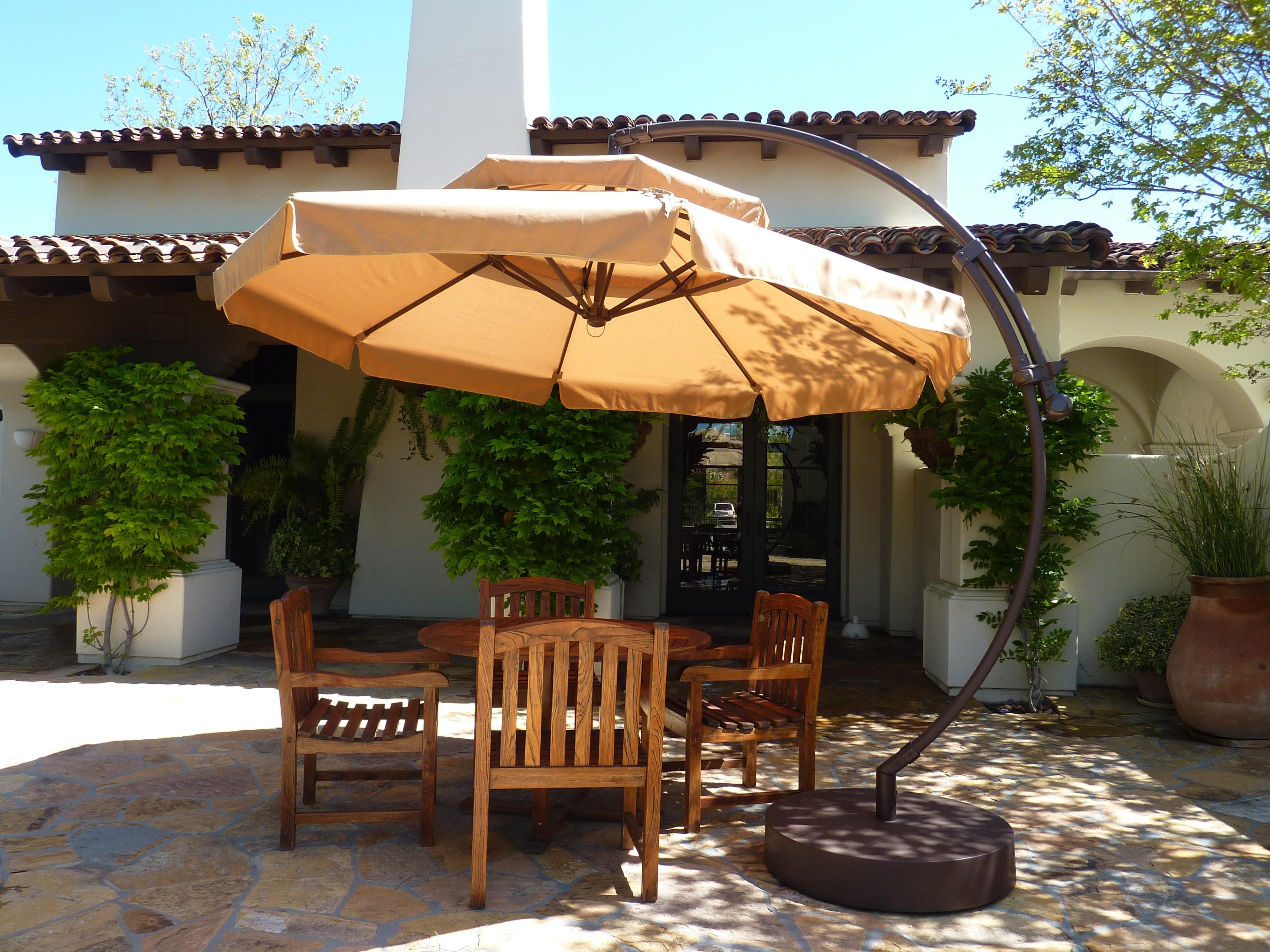 Садовый зонт от солнца