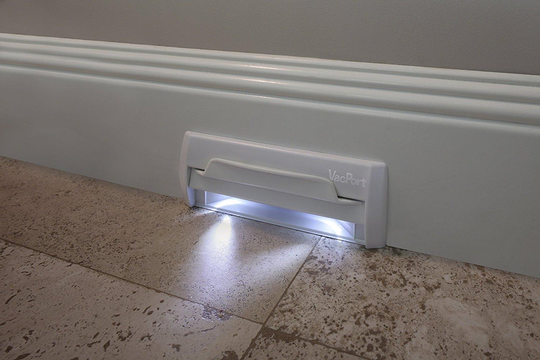 Светодиодный плинтус со светильниками