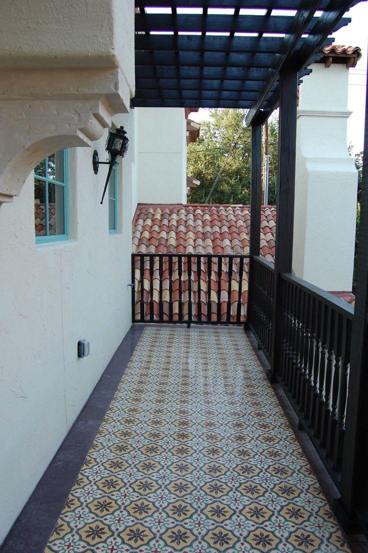 Плитка с узором на балкон