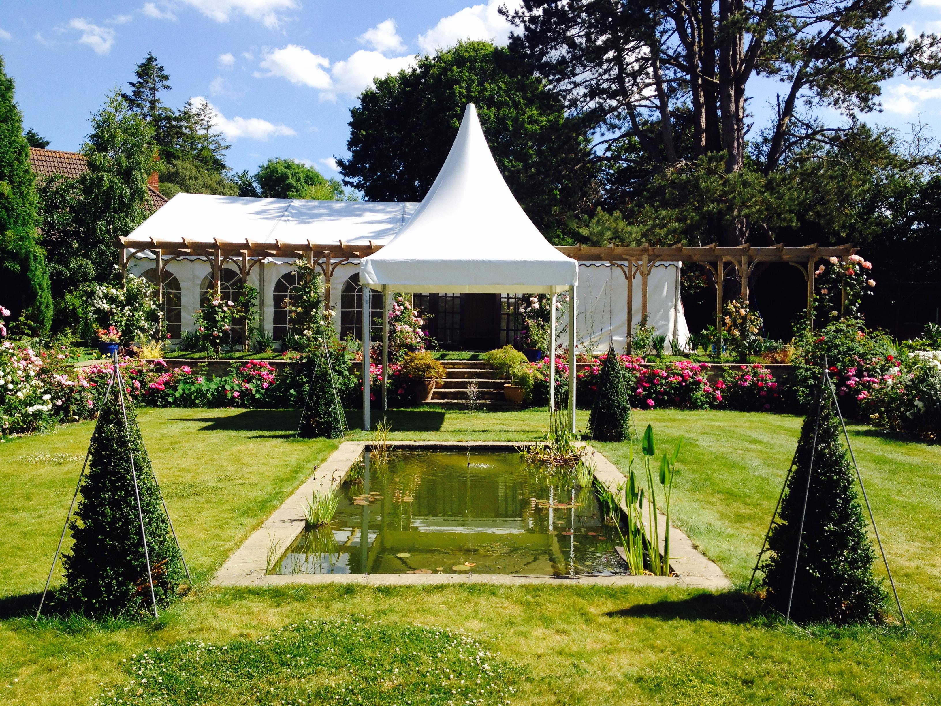 Садовый шатер для вечеринок