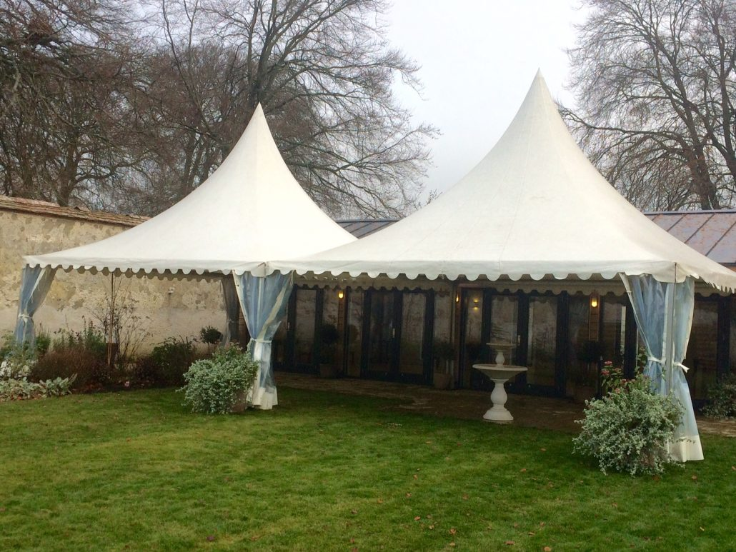 Садовый шатер на веранде